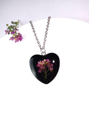 Кулон серце с цветами, подвеска из эпоксидной смолы