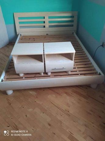 Łóżko plus dwie szafki