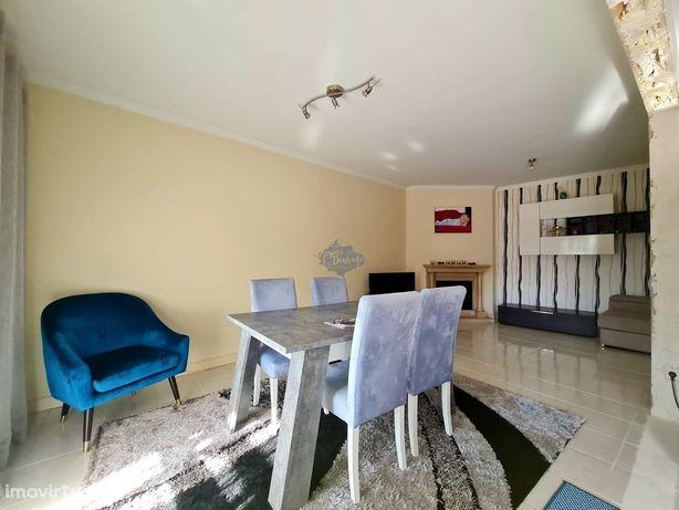 Apartamento T3 como novo em Santa Maria de Lamas