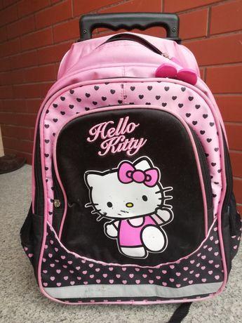 Plecaczek Hello Kitty na kółkach