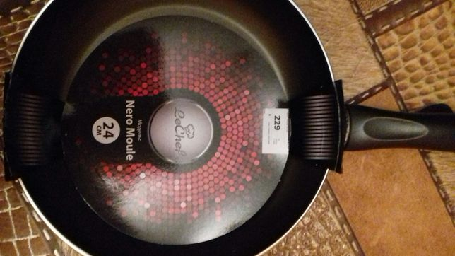 Сковорода новая д24 Турция с антипригарным покрытием
