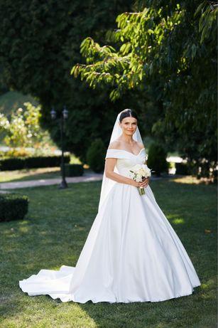 Продається весільне плаття