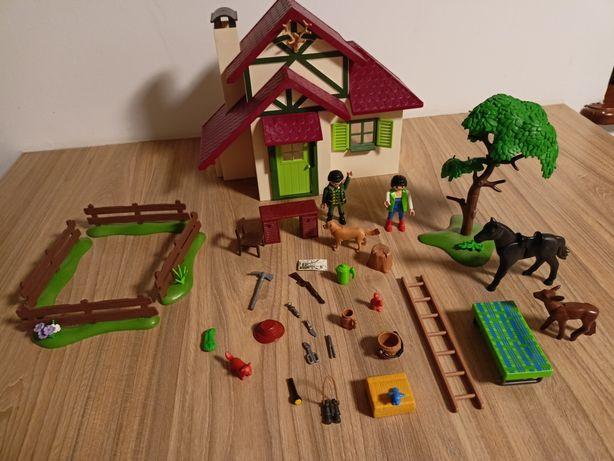 Playmobil 6811 Domek Leśniczego Country Konie