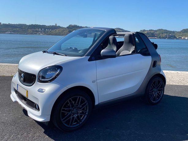 Smart EQ Fortwo Cabrio Brabus com carregamento rápido e IVA dedutível