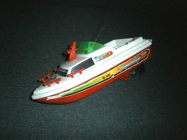 Радиоуправляемый катер лодка Voyage Overland