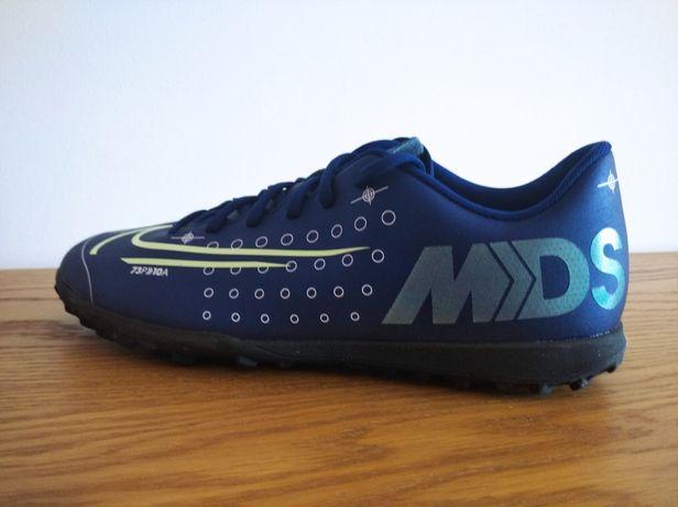 Calçado futebol Nike, novos originais para piso sintético n 41