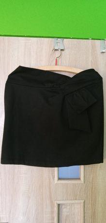 Czarna spódnica z kokardą- rozmiar 42
