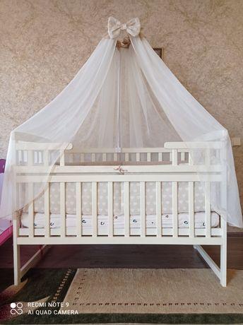 Детская кроватка с комплектацией