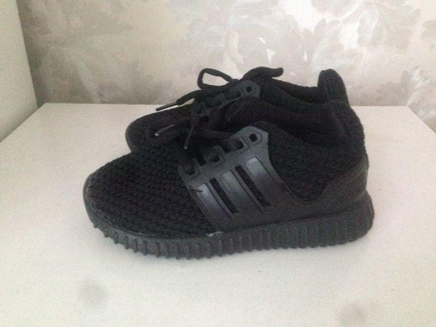 Новые кроссовки для мальчика р. 29.