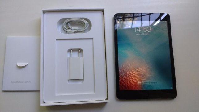 IPad Mini WI-FI 16GB +чехол, сост. нового