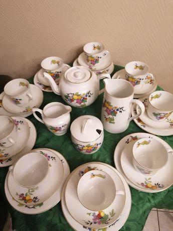 Serwis kawowy z porcelany bardzo cienkiej. Czeski