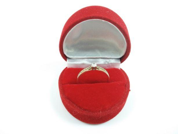 Złoty Pierścionek Z Kamieniem A La Diament 1.55G P.33