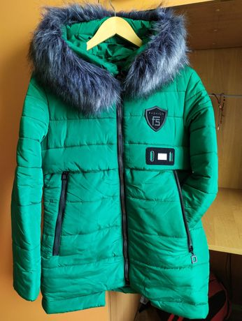 Теплесенька зимова куртка/пальто не пуховик