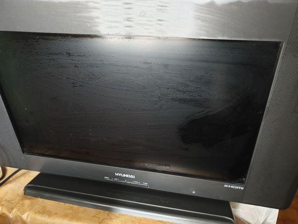 Tv Lcd Hyundai 2600
