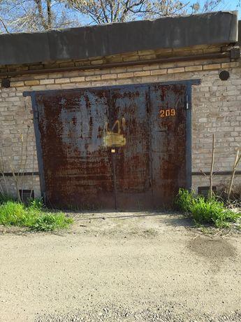 Продам капитальный гараж коп. Опора.