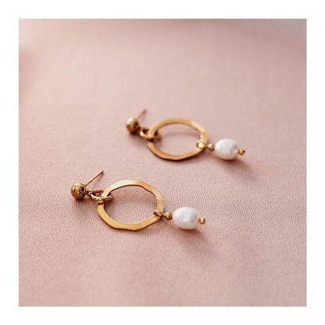 Nowe złote kolczyki z naturalnymi perłami słodkowodnymi