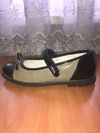 Туфлі жіночі підліткові 37р