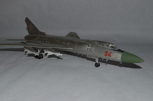 Масштабная модель истребителя перехватчика Ту-128 1/72 винищувач