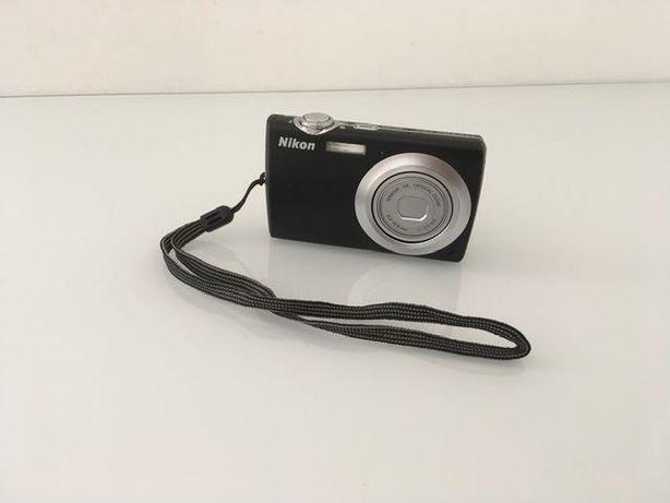 Máquina fotográfica Nikon Coolpix S203