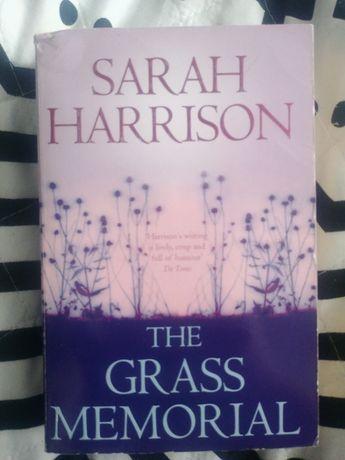 The grass memorial - Sarah Harrison