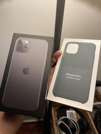 Apple iPhone 11 Pro 256GB Space Gray + Apple Leather Case + Película