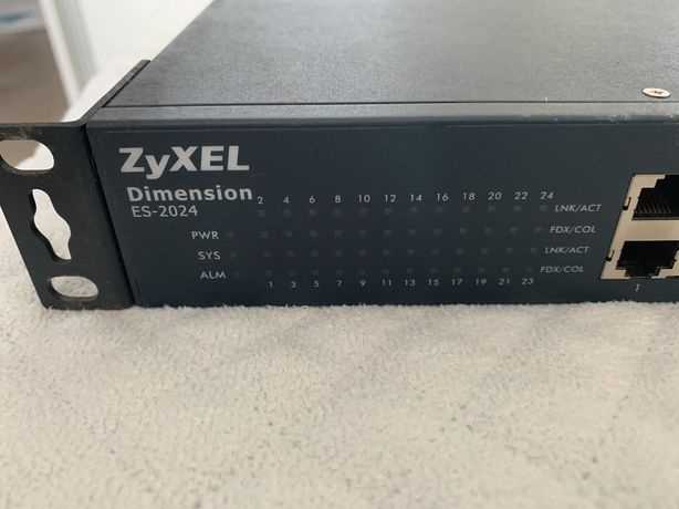 Switch zarządzalny Zyxel ES-2024