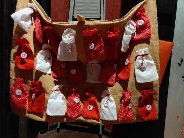 Набор детских рождественских мешочков на флисовом полотне 24 штуки.