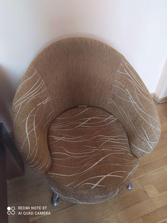 Dwa fotele w bardzo dobrym stanie