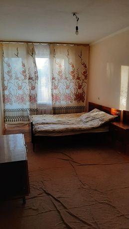 Стою двокімнатну квартиру по вулиці протасевича