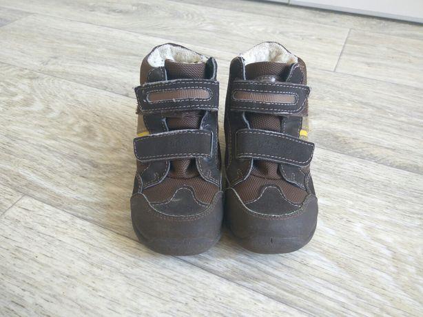 Демисезонные ботинки, сапоги, кроссовки