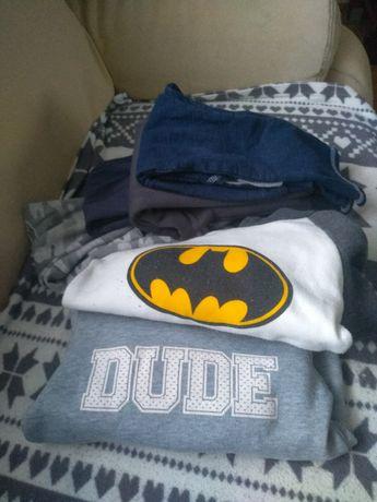 Zestaw ubranek spodnie , bluzy 110 chłopiec