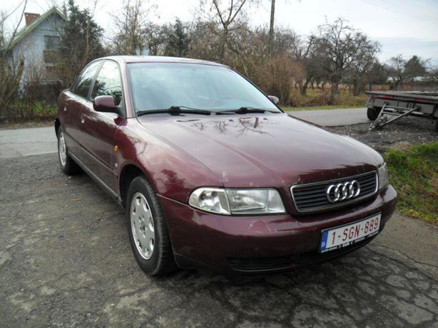 Audi A4 1,9 TDI , klima , car-pass przy 259491km