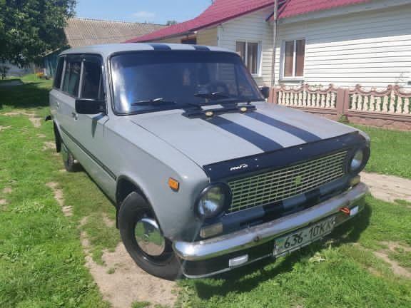 машину ВАЗ 2102 жигули