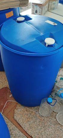 Бочки 200 литров пластиковые