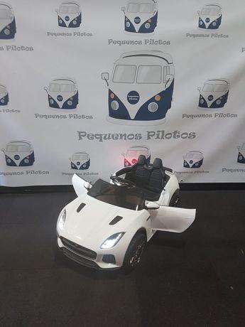 Carro a bateria para crianças Jaguar F-Type 12v Branco novo