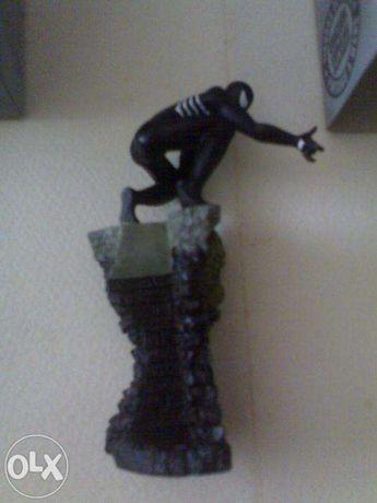 Decoração vitrine spider-man black suite Marvel Especial Eaglemos