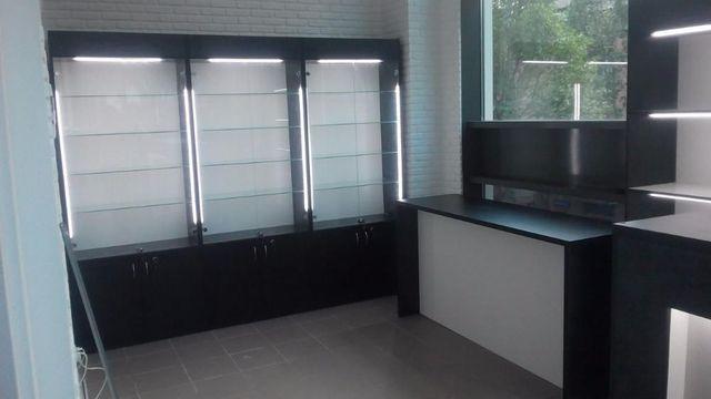 Торговое оборудование для магазинов, прилавки, стеллажи, витрины