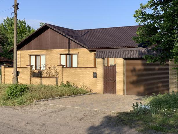 Продам новый дом в центре Святогорска, заходи и живи.