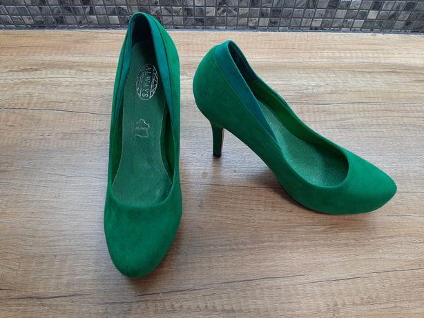 Zielone buty na obcasie rozm. 38 stan idealny