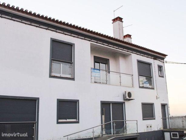 Excelente apartamento T2 no Rosário com uma área útil de ...