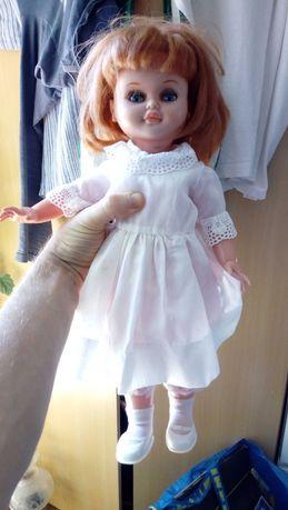 "boneca antiga, marca ""Famosa"""
