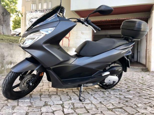 Honda PCX125 Topcase GIVI 14.000kms