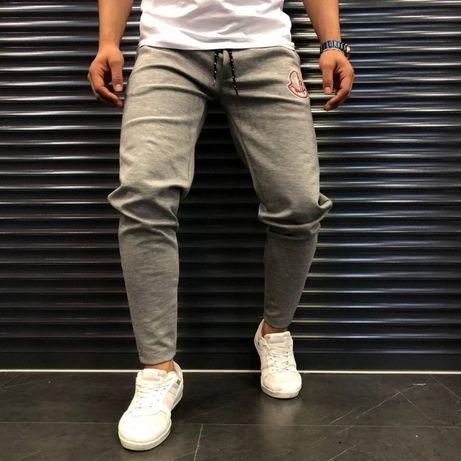 Спортивные штаны Moncler