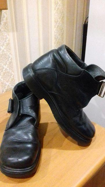 Продам дет ботинки