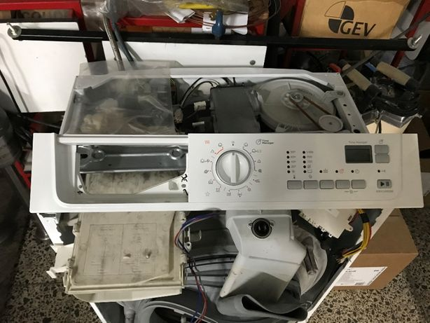 Máquina de Lavar e Secar Roupa Electrolux Modelo EWX14450W