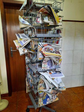 Expositor de Revistas ou Jornais