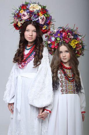 Вишита біла сукня, в етнісному стилі