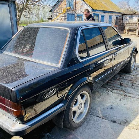 Продам БМВ Е30. 318