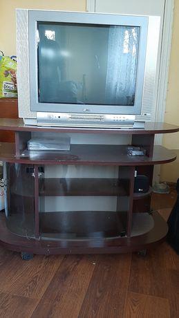 Продам телевизор с тумбочкой под телевизор
