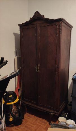 Roupeiro em madeira vintage